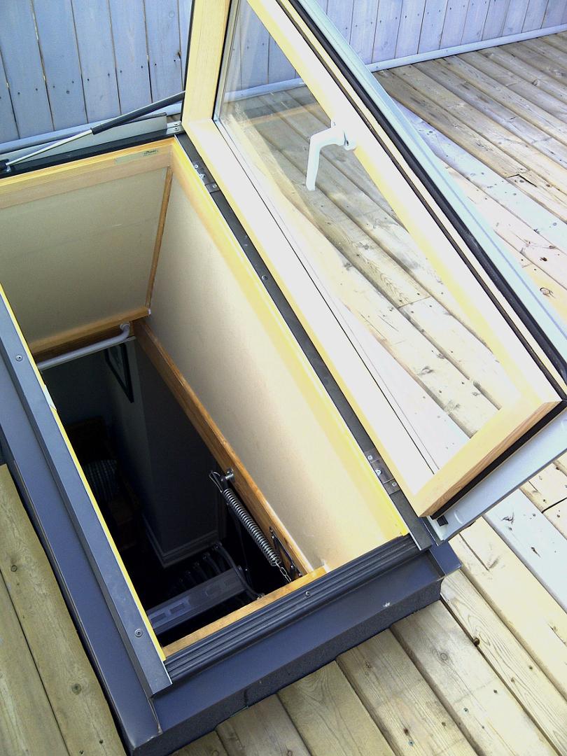 Fenêtres d'Acces au Toit de Fakro (ouverture à droite)