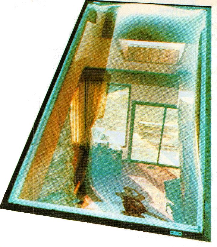 Lanterneau avec solin intégré sur un toit incliné